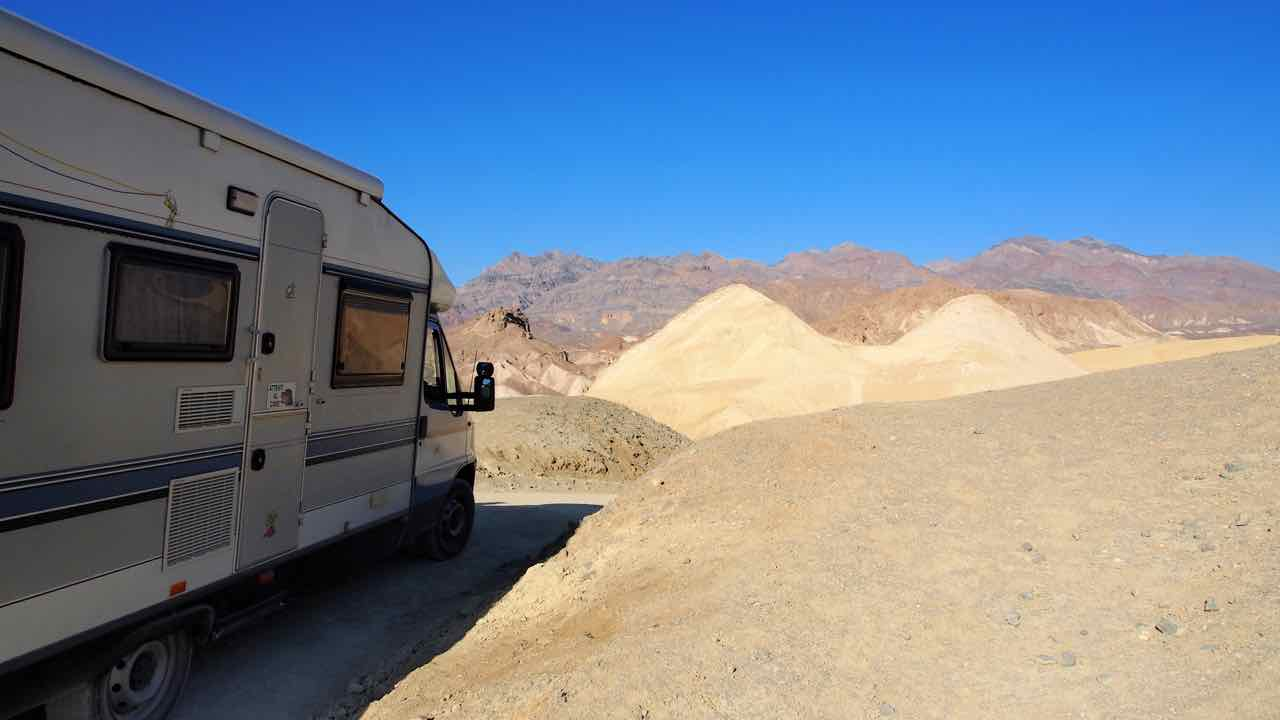 "im Death Valley-""Twenty Mule Team Canyon"""